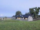 В Шотландии обычный, скромный домик фермера превратили в оригинальный, супер современный экодом